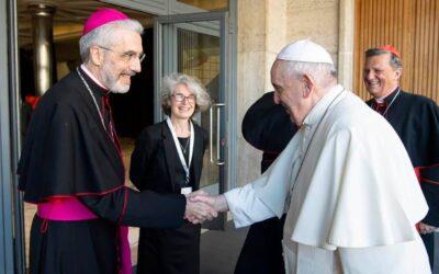 """สมเด็จพระสันตะปาปาฟรังซิส เชิญคาทอลิกทั่วโลก """"ก้าวไปด้วยกัน"""""""